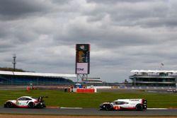 #91 Porsche Team Porsche 911 RSR: Richard Lietz, Frédéric Makowiecki, #2 Porsche Team Porsche 919 Hy