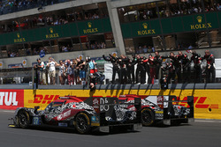 Finish van #37 DC Racing Oreca 07 Gibson: David Cheng, Alex Brundle, Tristan Gommendy en #38 Jackie