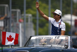 Lance Stroll, Williams, waves on the drivers' parade