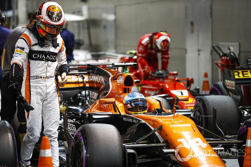 Stoffel Vandoorne, McLaren, Kimi Raikkonen, Ferrari,, Parc Ferme