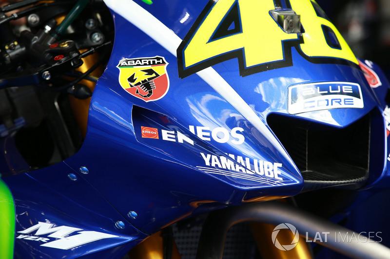 Yamaha revisa la moto de Valentino Rossi, Yamaha Factory Racing