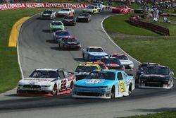 Daniel Hemric, Richard Childress Racing Chevrolet, Sam Hornish Jr., Team Penske Ford