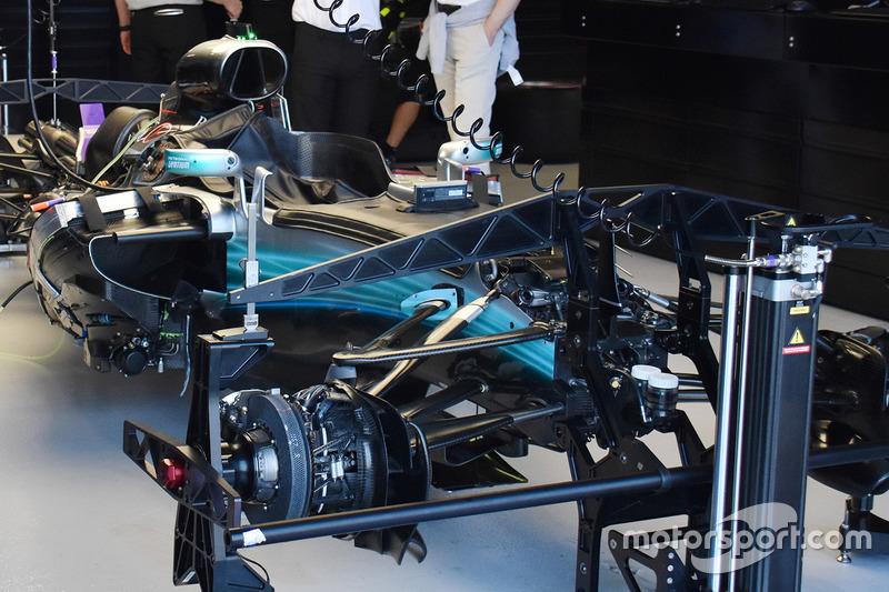梅赛德斯W08赛车细节图