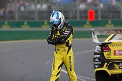 Lee Holdsworth, Team 18 Holden after his crash