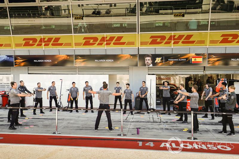 McLaren ekibi spor yapıyor