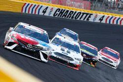 Kyle Busch, Joe Gibbs Racing Toyota Kevin Harvick, Stewart-Haas Racing Ford