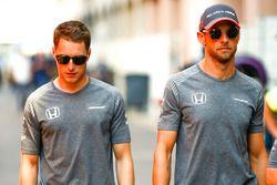 Stoffel Vandoorne, McLaren, Jenson Button, McLaren