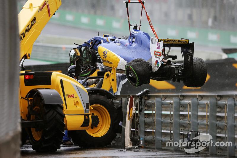 Sauber C35 Маркуса Ерікссона, Sauber F1 Team, після аварії під час гонки