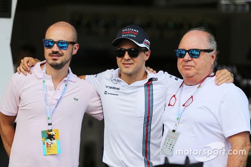 Felipe Massa, con su padre Luis Antonio Massa y su hermano Dudu Massa
