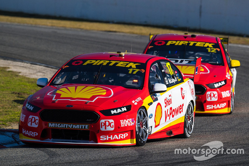 Scott McLaughlin, Team Penske, Ford; Fabian Coulthard, Team Penske, Ford