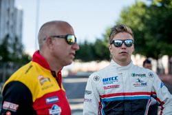 Tom Coronel, Roal Motorsport, Chevrolet RML Cruze TC1, Yann Ehrlacher, RC Motorsport, Lada Vesta