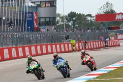 Алеш Эспаргаро, Aprilia Racing Team Gresini, и Алекс Ринс, Team Suzuki MotoGP