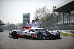 Hisatake Murata, Pascal Vasselon, Toyota Racing met de Toyota Gazoo Racing Toyota TS050 Hybrid, tijd