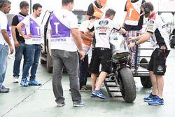 Alex Marquez, Marc VDS, moto chocada