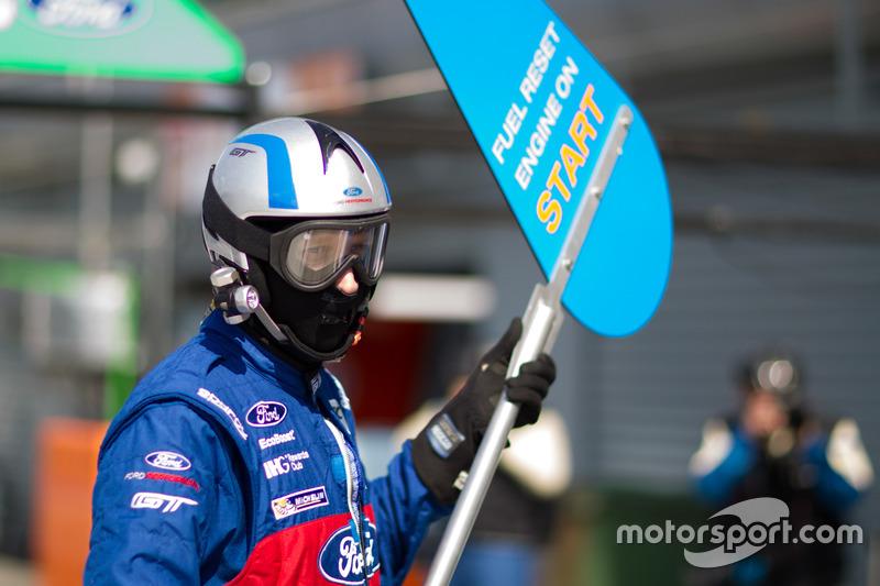 Un membro del team Ford Chip Ganassi Racing