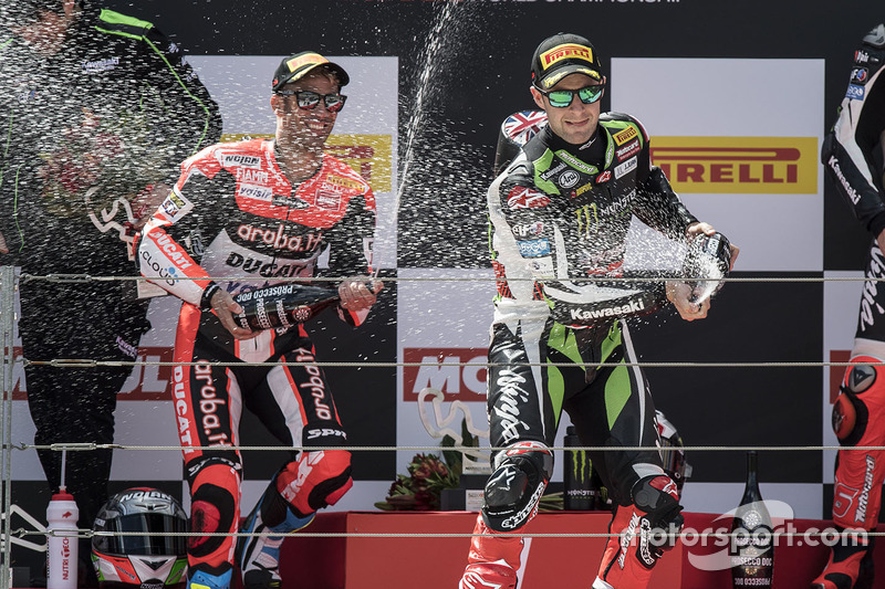 Podium: race winner Jonathan Rea, Kawasaki Racing, second place Marco Melandri, Ducati Team, third place Tom Sykes, Kawasaki Racing