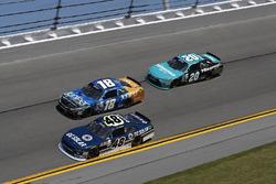 Brennan Poole, Chip Ganassi Racing Chevrolet, Daniel Suarez, Joe Gibbs Racing Toyota, Erik Jones, Jo