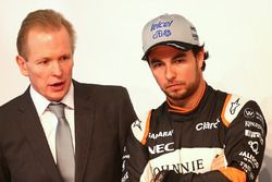 Sergio Perez, Sahara Force India F1, Andrew Green, Sahara Force India F1 Team Technical Director