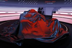 La McLaren MCL32 sous sa couverture