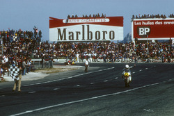 Le vainqueur Marco Lucchinelli, Suzuki