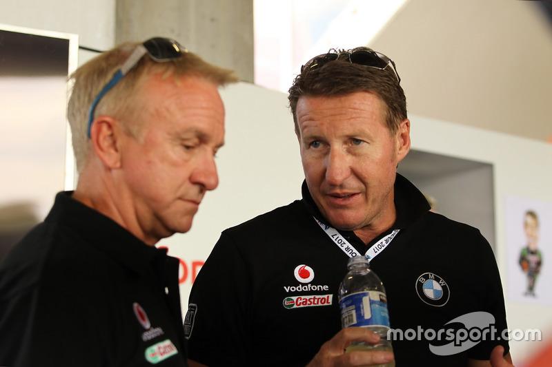 Russell Ingall y Mark Skaife, BMW Team SRM.