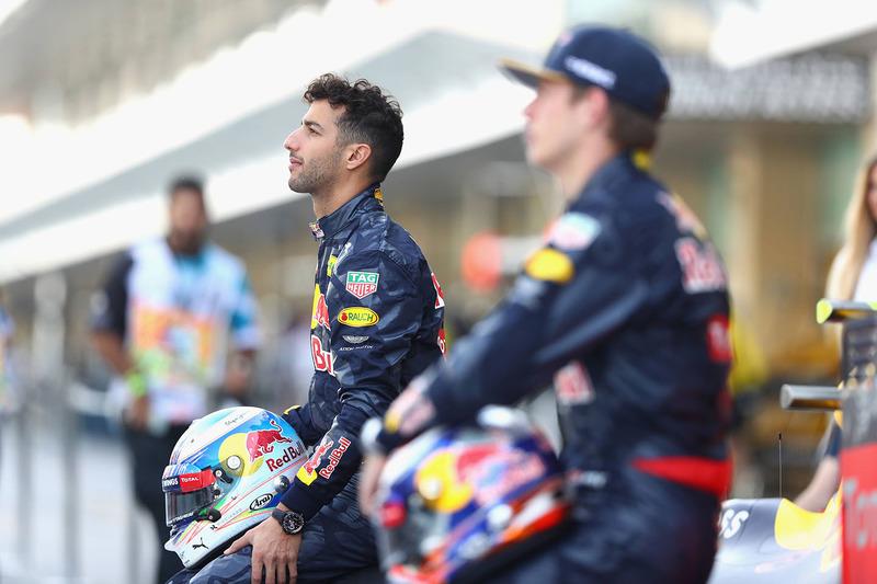 Daniel Ricciardo, Red Bull Racing en una fotografía de equipo