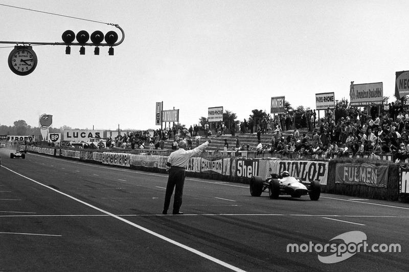 A lendária pista de Le Mans foi palco de apenas uma corrida do mundial de F1, obviamente em uma versão reduzida, em 1967, com vitória de Jack Brabham