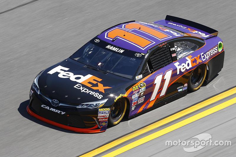 #11 Denny Hamlin (Gibbs-Toyota)