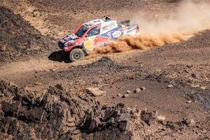 #307 Toyota Gazoo Racing Toyota Hilux: Giniel de Villiers, Alex Haro