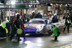 #4 Mercedes-AMG Team Black Falcon Mercedes-AMG GT3: Йелмер Буурман, Лука Штольц, Маро Энгель