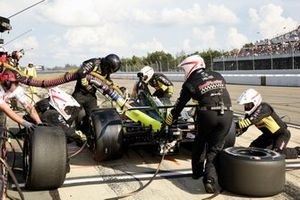 Sebastien Bourdais, Dale Coyne Racing with Vasser-Sullivan Honda pit stop