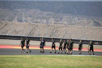 Leon Haslam, Kawasaki Racing Team, Jonathan track walk