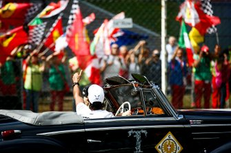 Lewis Hamilton, Mercedes AMG F1, pilotlar geçit töreninde