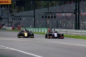 Giuliano Alesi, Trident y Guanyu Zhou, UNI Virtuosi Racing