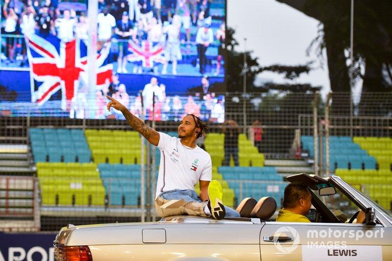 Lewis Hamilton, Mercedes AMG F1 alla parata dei piloti