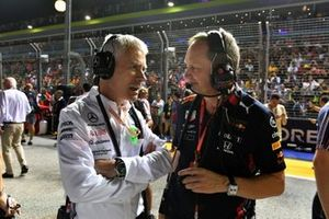 Geoff Willis, Technology Director, Mercedes AMG, and Paul Monaghan, Chief Engineer, Red Bull Racing