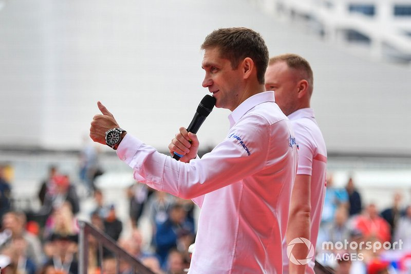 Vitaly Petrov on stage