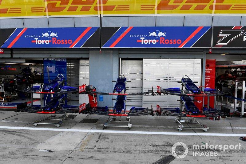 Asa dianteira da Toro Rosso