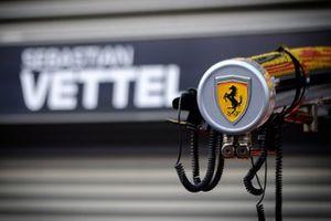 Sebastian Vettel, Ferrari, logo