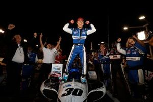 Race Winner Takuma Sato, Rahal Letterman Lanigan Racing Honda