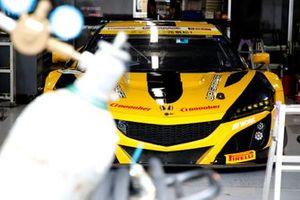 #18 Team UPGARAGE Honda NSX GT3: Takashi Kobayashi, Kosuke Matsuura, Tadasuke Makino