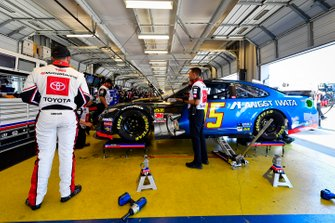 Matt DiBenedetto, Leavine Family Racing, Toyota Camry Anest Iwata