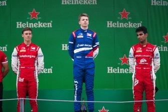 Podio: Robert Shwartzman, PREMA Racing Marcus Armstrong, PREMA Racing y Jehan Daruvala, PREMA Racing