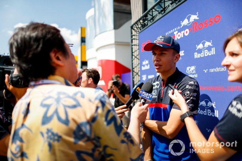 Alexander Albon, Toro Rosso, parle à la presse
