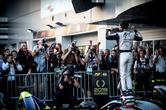 Nyck De Vries, ART Grand Prix celebrates in Parc Ferme after winning the championship