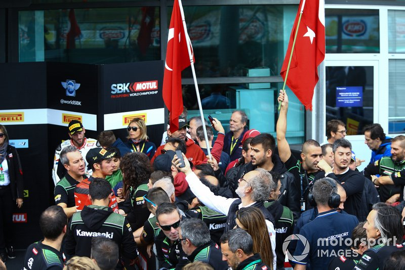 Toprak Razgatlioglu, Turkish Puccetti Racing team, fans
