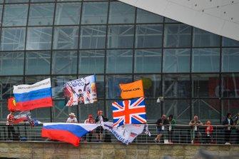 McLaren and Daniil Kyat, Toro Rosso, fans