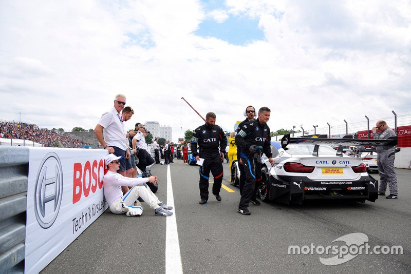 Joel Eriksson, BMW Team RBM with his father and brother Jimmy