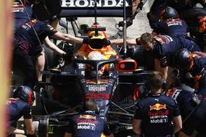 Max Verstappen, Red Bull Racing RB16B, in the pits