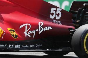 Floor detail on the car of Carlos Sainz Jr., Ferrari SF21